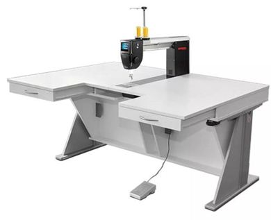 Picture of EX Show Model - Bernina Q20 Longarm Quilting Machine - RMF table with drawers