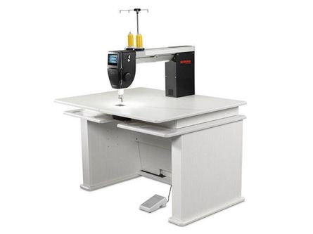 Picture of Bernina Q20 Longarm Quilting Machine - Koala Table