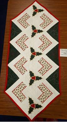 Picture of Sweet Pea Christmas Holly Table Runner*Newport*